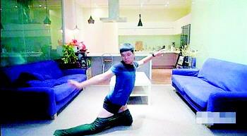 台湾网友上传搞笑新作《顶尖对决之穿裤子篇》,示范不用双手