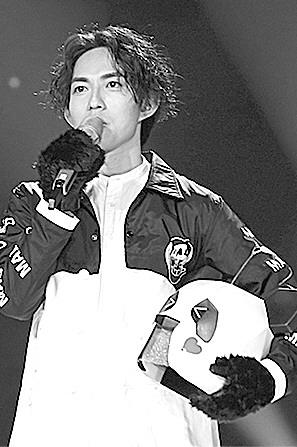 """""""熊猫""""林宥嘉在《蒙面唱将》第一期节目中带来的《成全》火爆程度图片"""