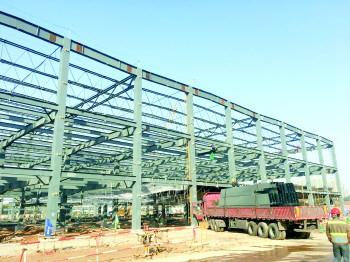 济南宜家项目钢结构初具雏形.