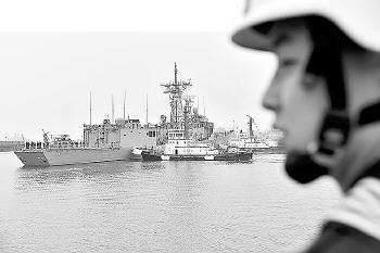 中国海军32艘舰艇39架战机将亮相青岛
